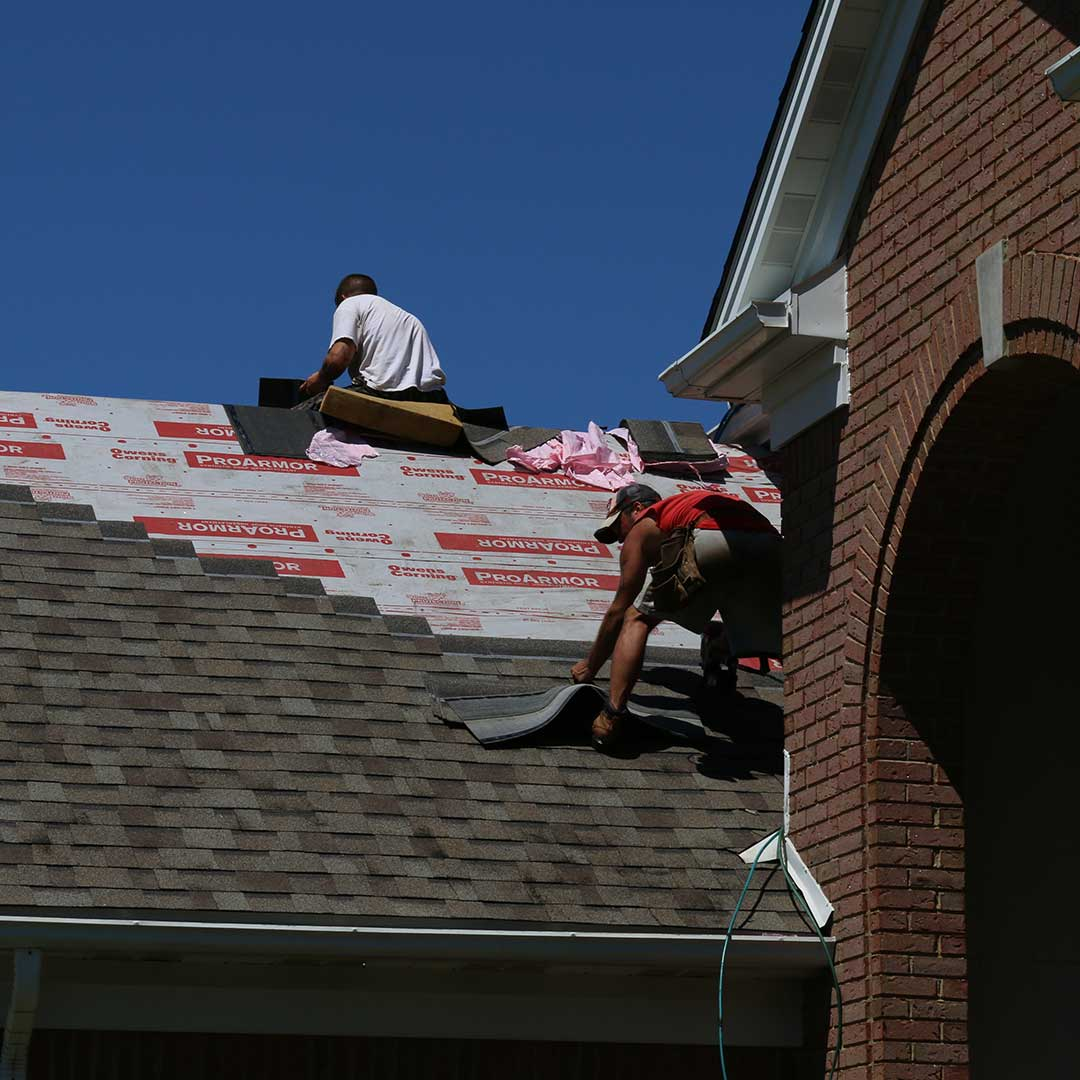 UWD roofers installing roof
